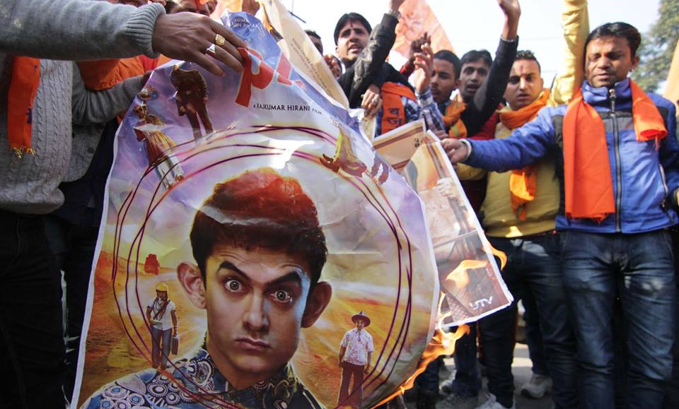 Bajrang Dal burn posters of Aamir Khan's movie 'PK'